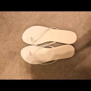 classy women's flip flop sandals